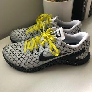 Nike Shoes - Nike Metcon